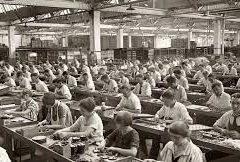 La reposición de la fuerza de trabajo. Por Ester Kandel