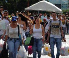 Venezuela, el gran espectáculo de migrantes en la frontera prepara el ataque al gobierno bolivariano